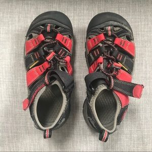 Keen Red and Black Waterproof Hiking Shoes Size 1